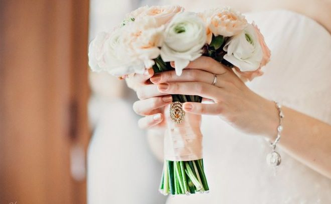 Как правильно выбрать свадебный букет для зимней свадьбы?VipWeddings.ru